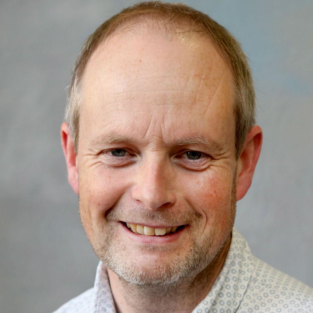 Dr Phillip Davey