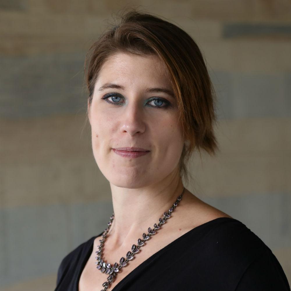Dr Claire Delle Luche