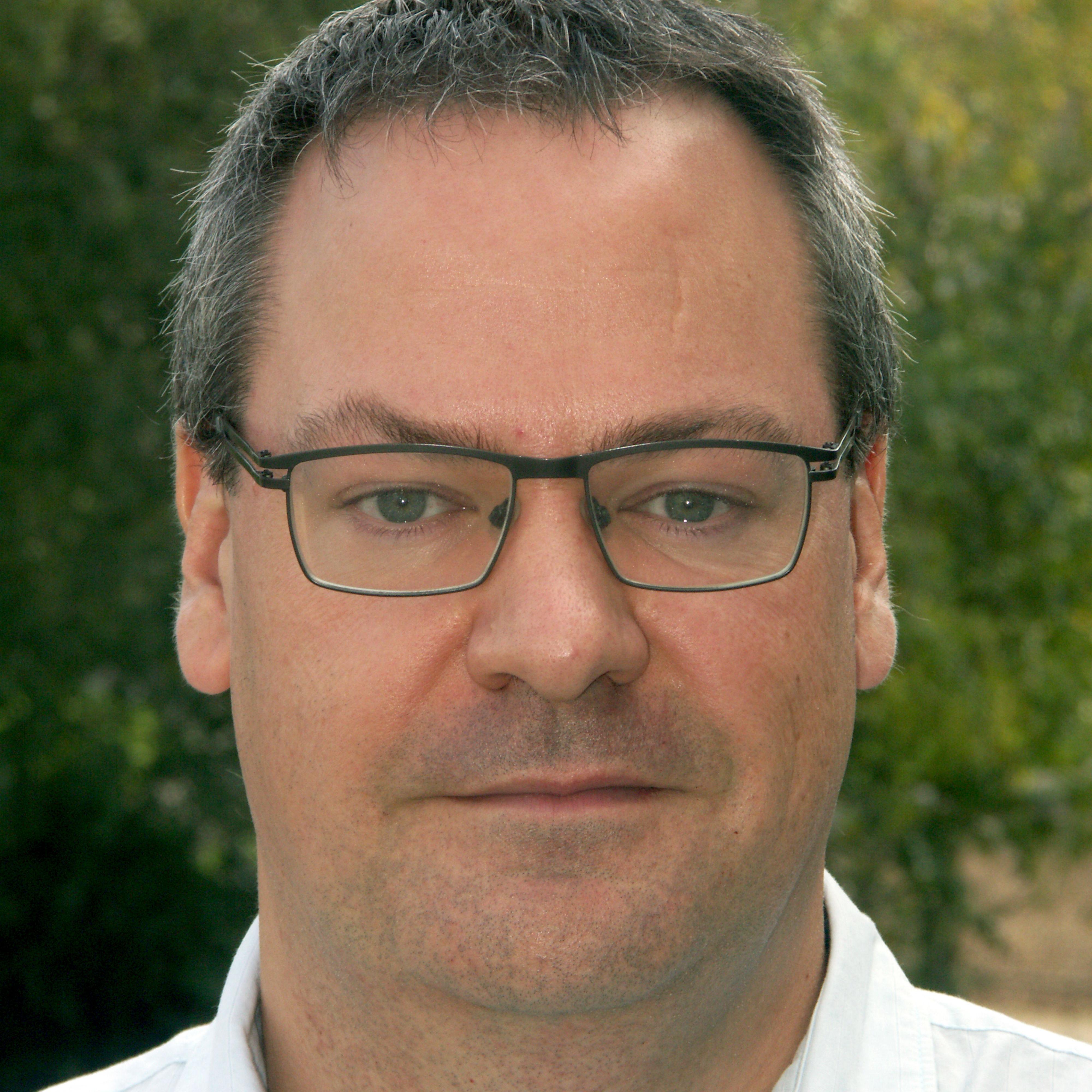 Dr Kevin Dent