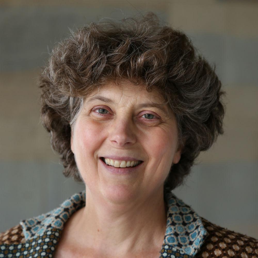 Dr Marian De Vooght