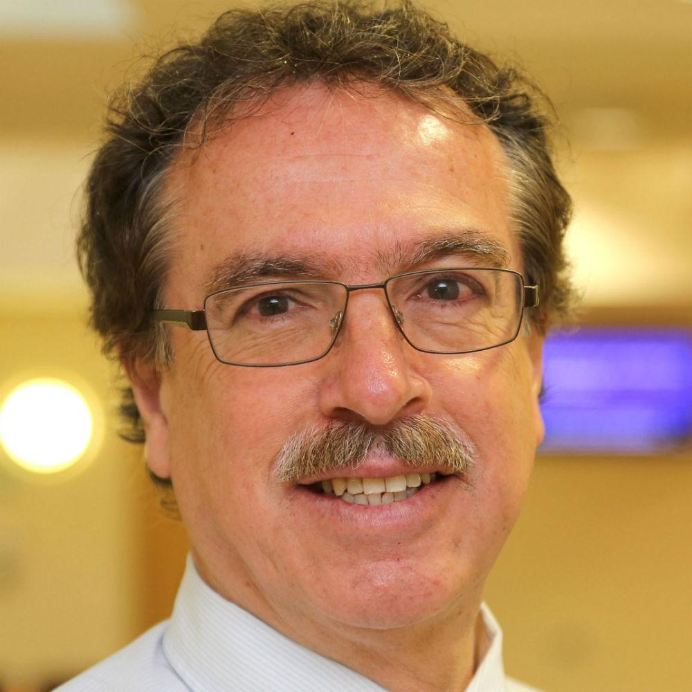 Professor Nelson Fernandez