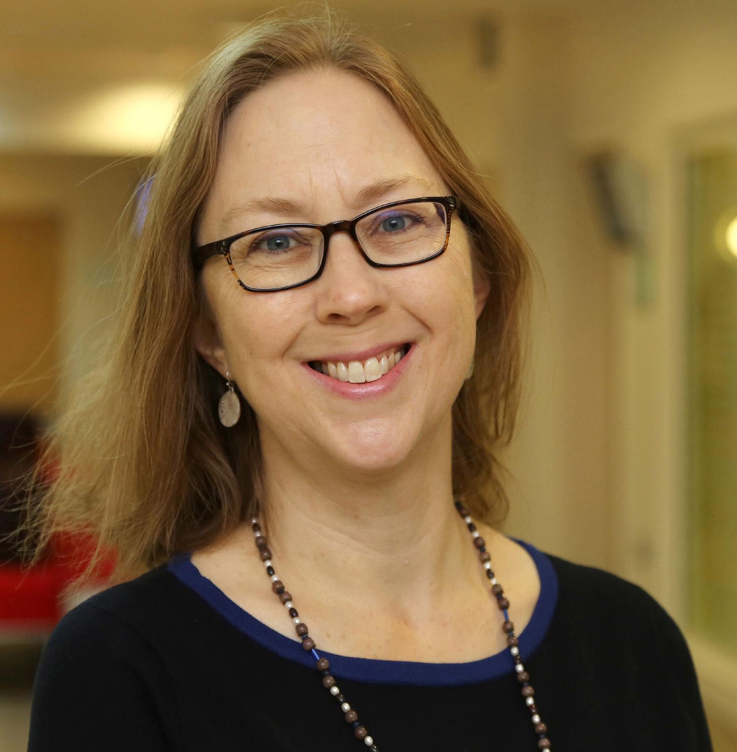 Dr Vicki Howard