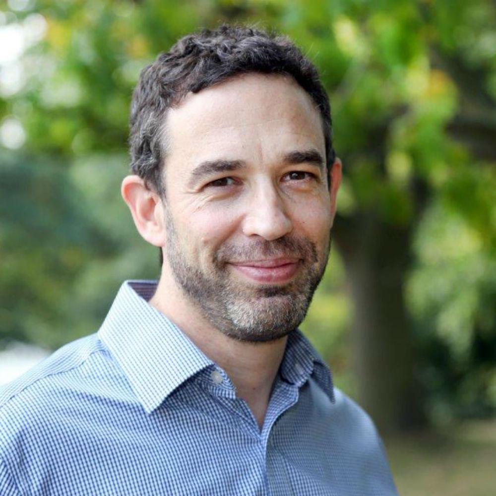 Professor Noam Lubell