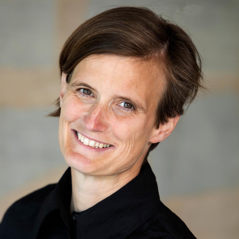 Professor Friederike Mengel