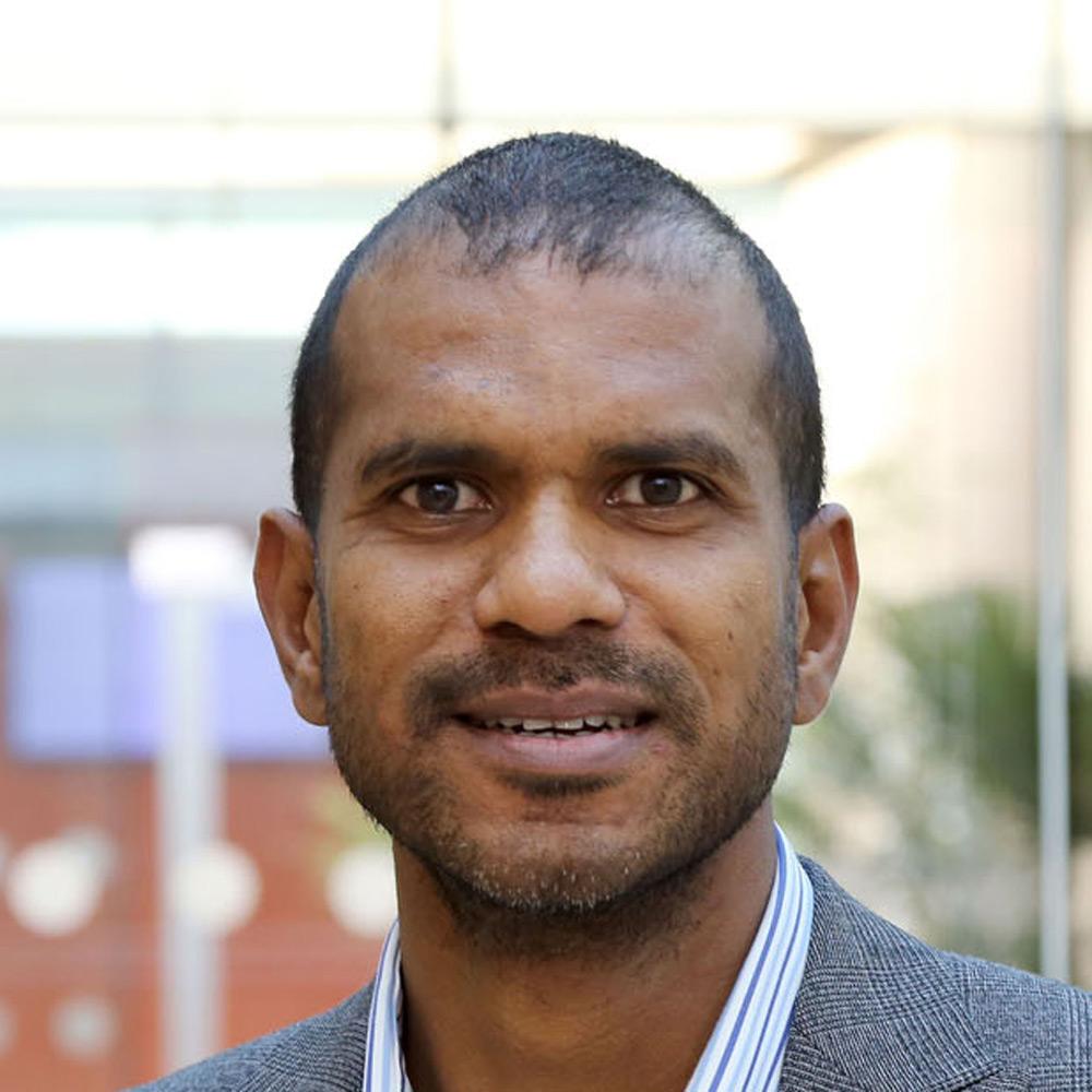 Dr Vivek Nawosah