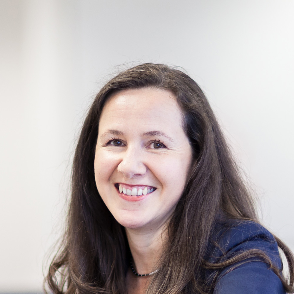 Dr Manuela Nocker