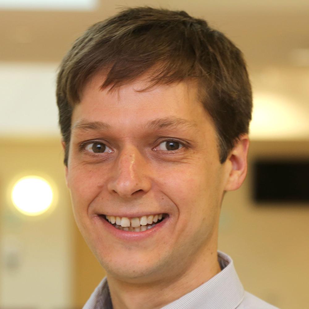 Dr Matthias Parey