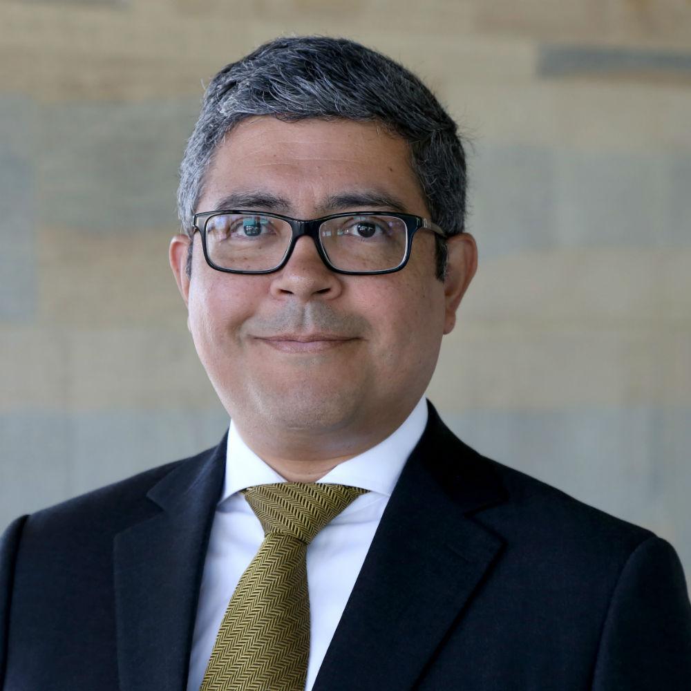 Dr Alejandro Quiroz Flores