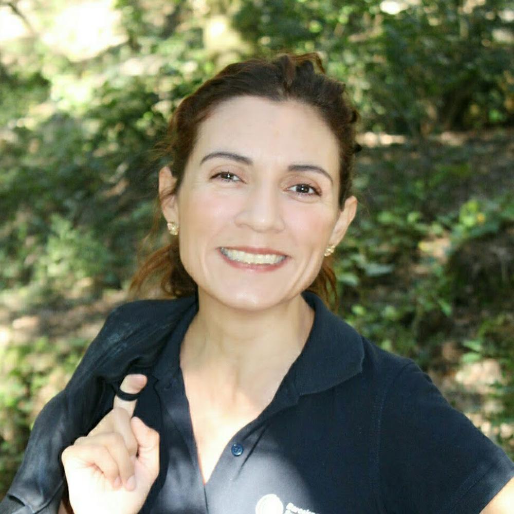Dr Angelica Reyes-Munoz