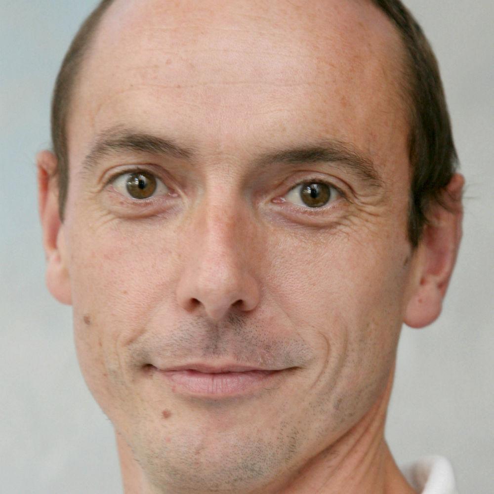 Dr Gavin Sandercock