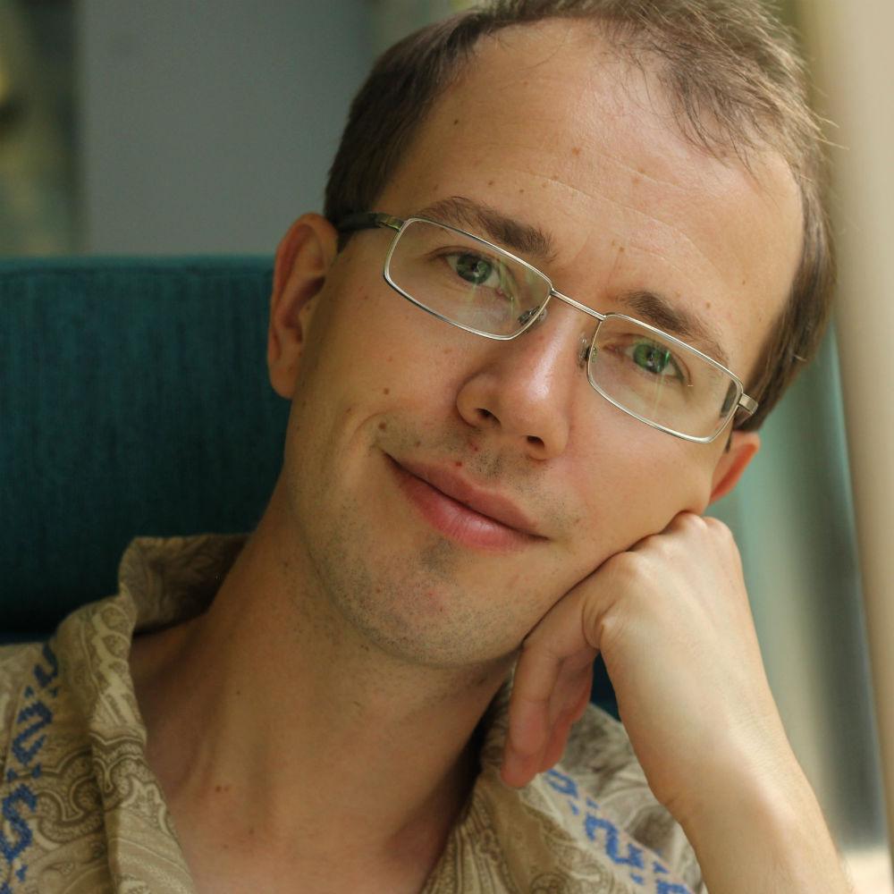 Dr Dmitry Savostyanov