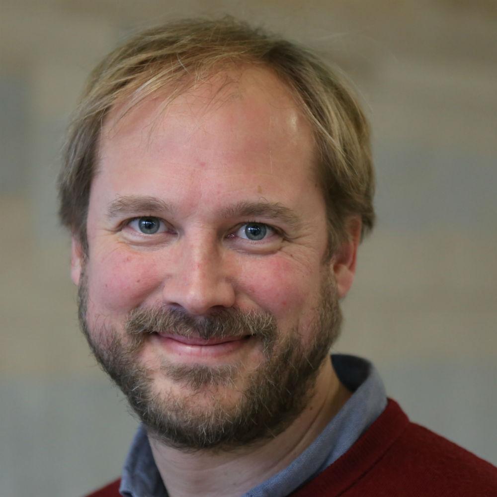 Dr Joerg Schaub