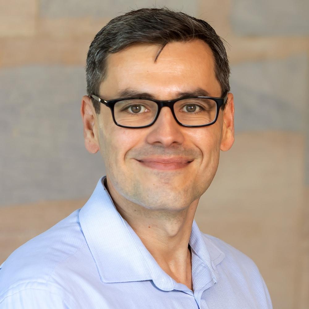 Dr Miroslav Sirota