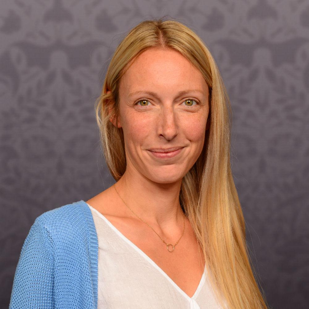 Dr Elke Weidenholzer