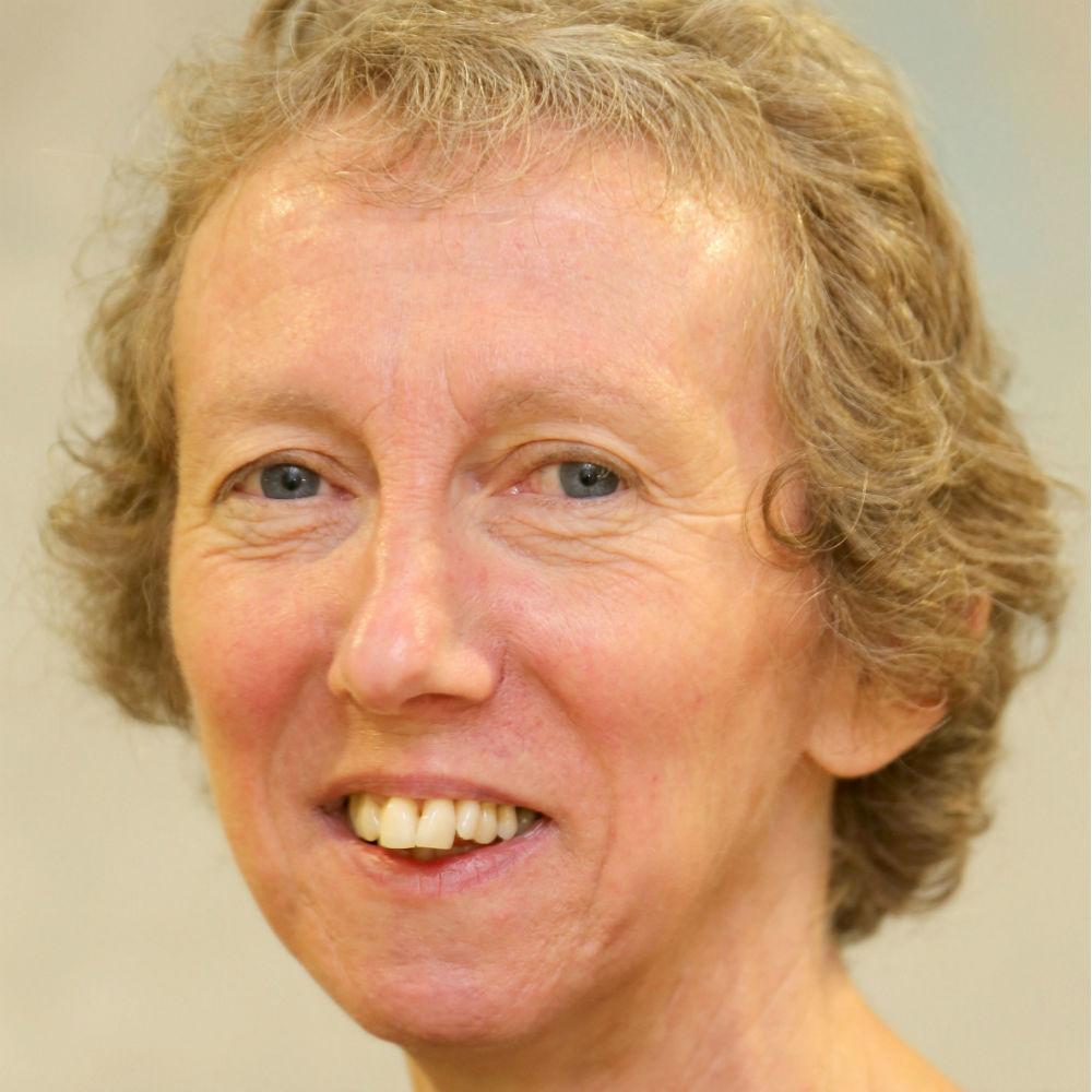 Dr Elizabeth Welbourn