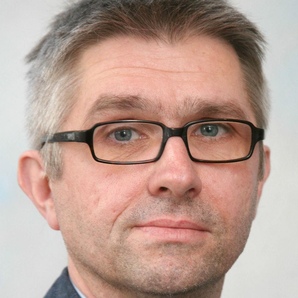 Dr Ralf Zwacka